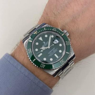 ROLEX Submariner 116610 LV ( Hulk )