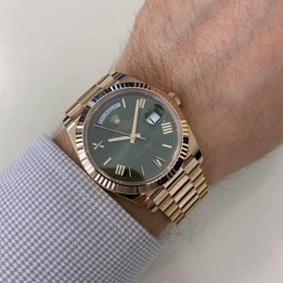 ROLEX Day Date Rose Gold Green Dial 40 mm 228235